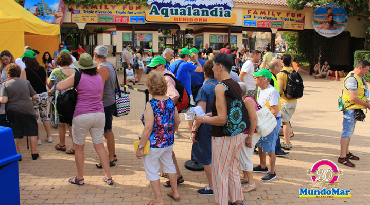 El «Día de la ONCE» en Mundomar y Aqualandia